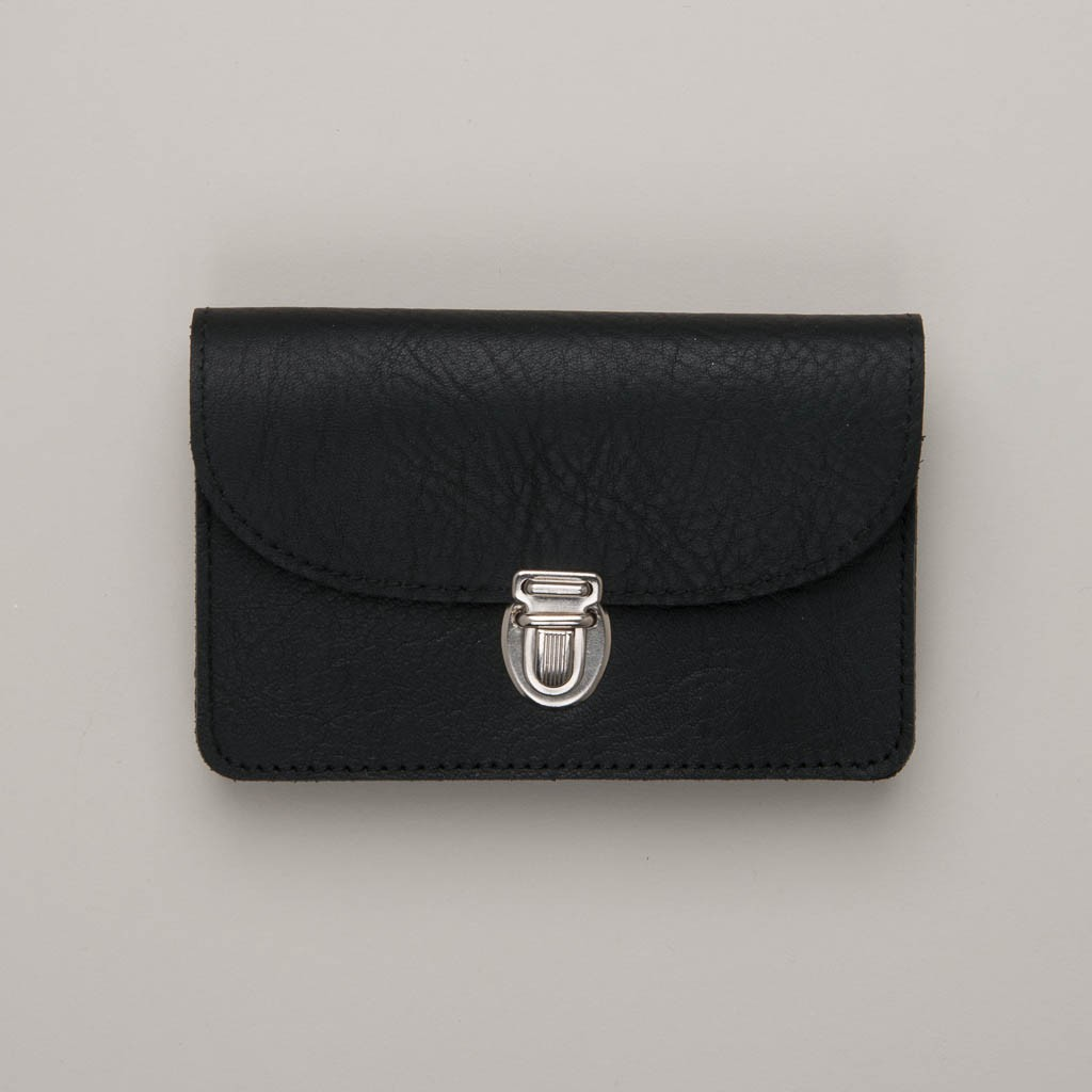 Papoutsi Borsa V kleine Geldbörse aus schwarzem High Chaparral Leder
