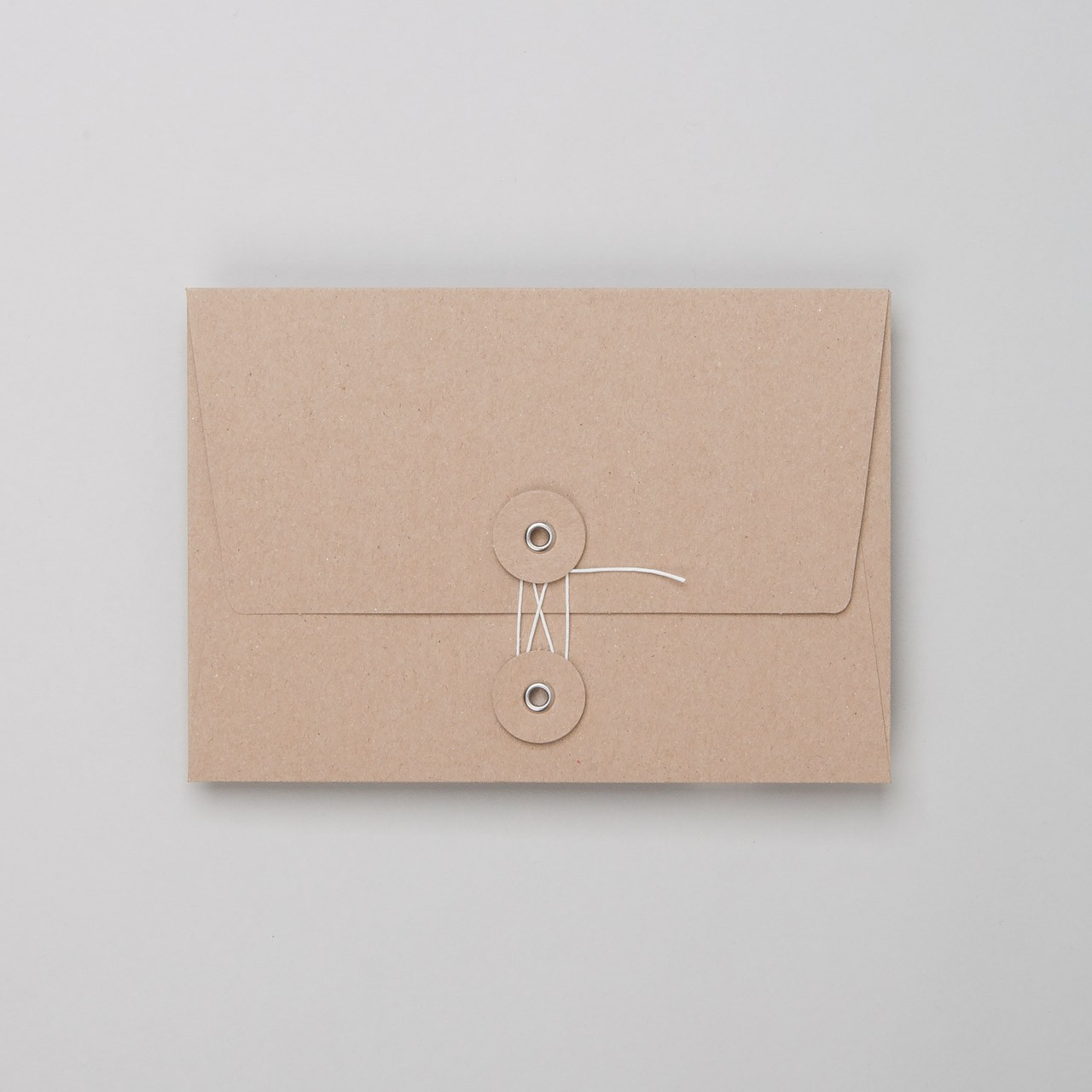 Umschlag mit Kordel C6