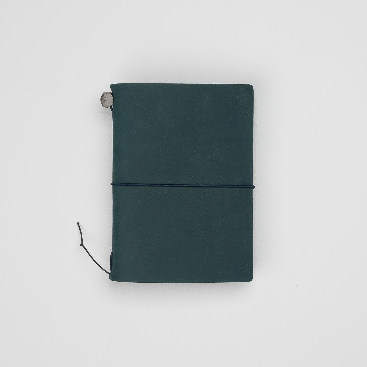 """Midori"" Traveler's Notebook Passport Size aus Leder blau"